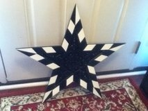 Black & White Star Wall Hanging in Fort Campbell, Kentucky