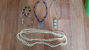 MARKED DOWN: Cute 6 Pc  Necklace/Braclet  Lot in St. Charles, Illinois