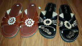 MARKED DOWN: New Leather Flower Sandals in Glendale Heights, Illinois