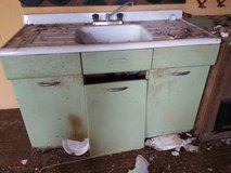 stove with side counter in Lawton, Oklahoma
