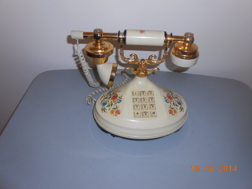 Telephone with Crable Handle